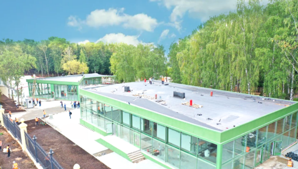 """Как выглядит парк """"Швейцария"""" за три недели до открытия"""